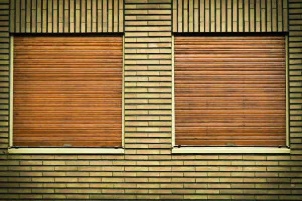 rolety zewnętrzne na oknach
